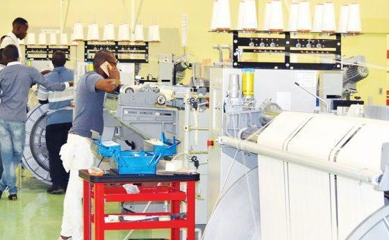 - Fabrica textil 560x345 - Estado recebe fábricas construídas com fundos públicos