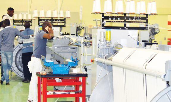 - Fabrica textil - Estado recebe fábricas construídas com fundos públicos