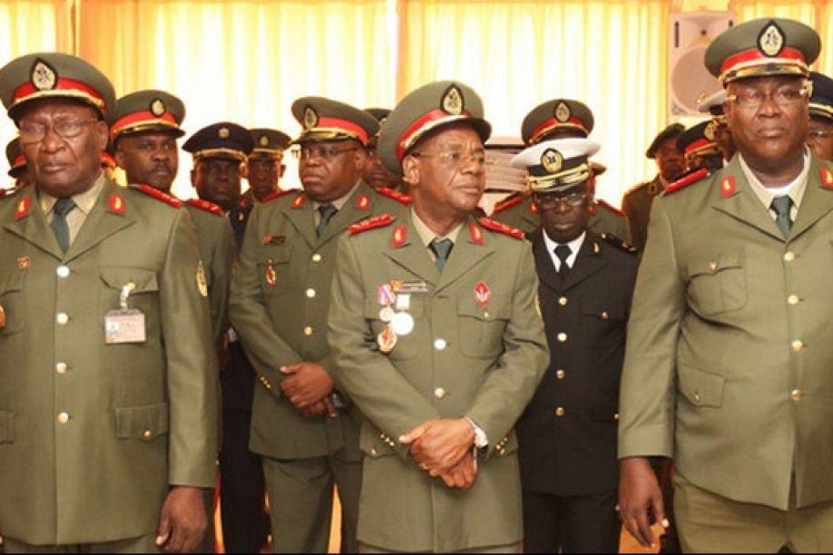 """generais da unita enquadrados nas faa e na polícia nacional  """"esquivam-se""""  do enterro de jonas savimbi - Generais kamorteiro - Generais da UNITA enquadrados nas FAA e na Polícia Nacional  """"esquivam-se""""  do enterro de Jonas Savimbi"""