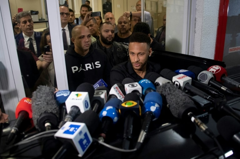 neymar depõe sobre divulgação de fotos íntimas de modelo que o acusa de estupro - Neymar  - Neymar depõe sobre divulgação de fotos íntimas de modelo que o acusa de estupro