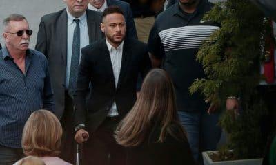 - Neymar 400x240 - Ministério Público arquiva inquérito de estupro contra Neymar