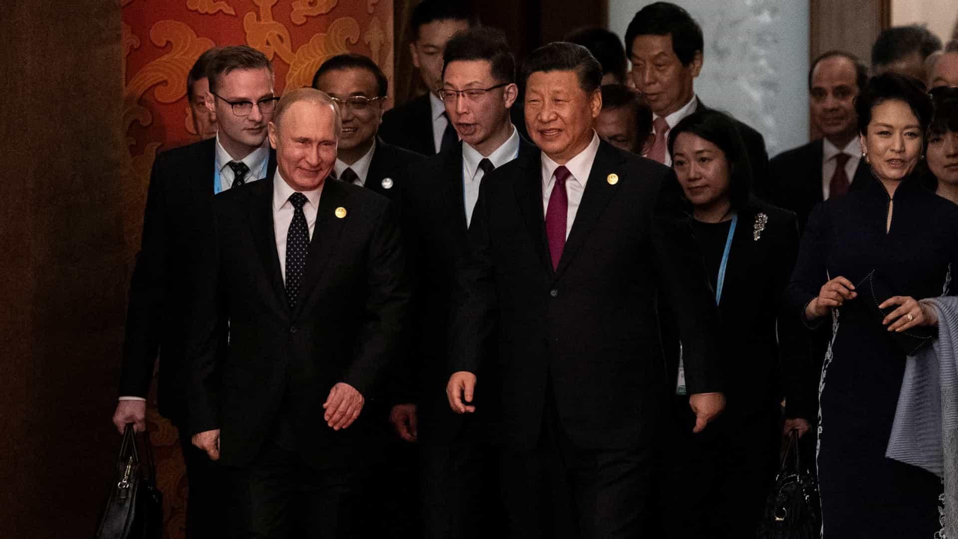 """- Xi e Putin - Putin: """"As guerras comerciais podem levar a guerras reais"""""""