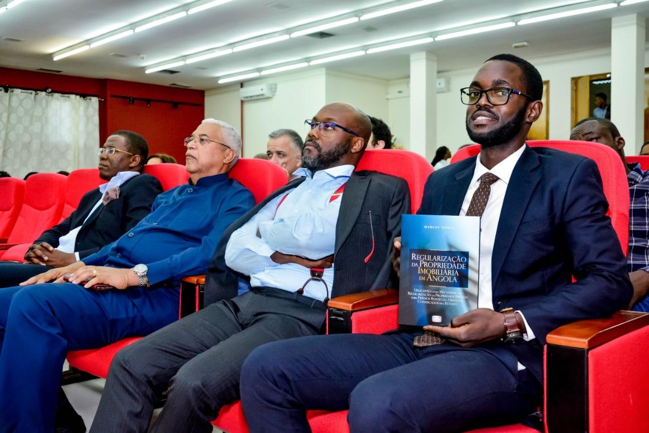 livro sobre regularização da propriedade imobiliária em angola lançado em luanda - plateia - Livro sobre Regularização da Propriedade Imobiliária em Angola lançado em Luanda