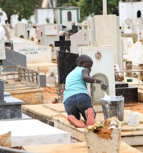- CEMITERIO SANTANA 560x600 - Banco Angolano cria seguro de apoio a funeral