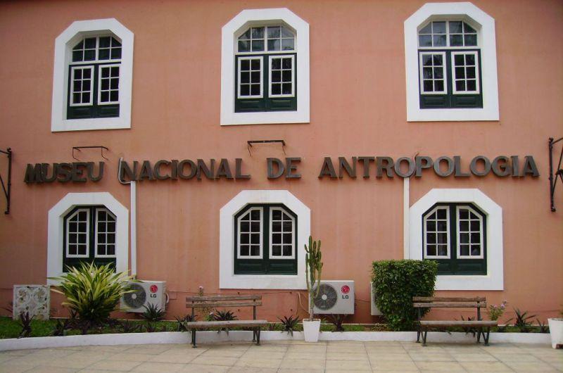 novos livros para o museu nacional de antropologia - Museu Nacional de Antropologia - Novos livros para o Museu Nacional de Antropologia