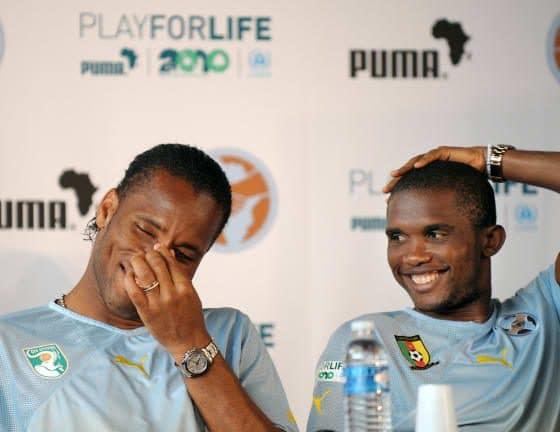 - Samuel Etoo e Drogba 560x432 - Samuel Eto'o e Drogba são os novos colaboradores oficiais do presidente da CAF