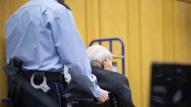 - GUARDA NAZI - Alemanha vai julgar ex-guarda nazista
