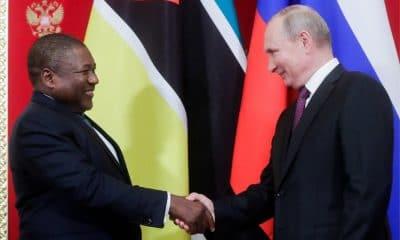 - Nyusi e Putin 400x240 - Rússia perdoa 95% da dívida de Moçambique