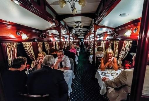 - comboio turistico - Comboio turístico faz parar Caminho de Ferro de Benguela