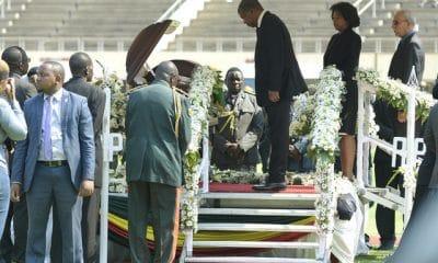 - 023df7ae8 d81c 4329 b8bf 57aa48cca938 400x240 - João Lourenço no último adeus a Robert Mugabe