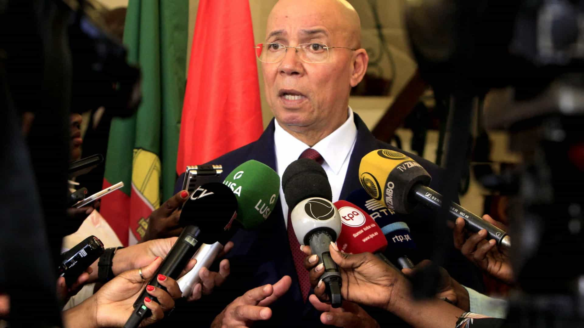 - Francisco Queir es - Ministro diz que as instituições financeiras internacionais têm hoje uma visão positiva do sistema de justiça nacional