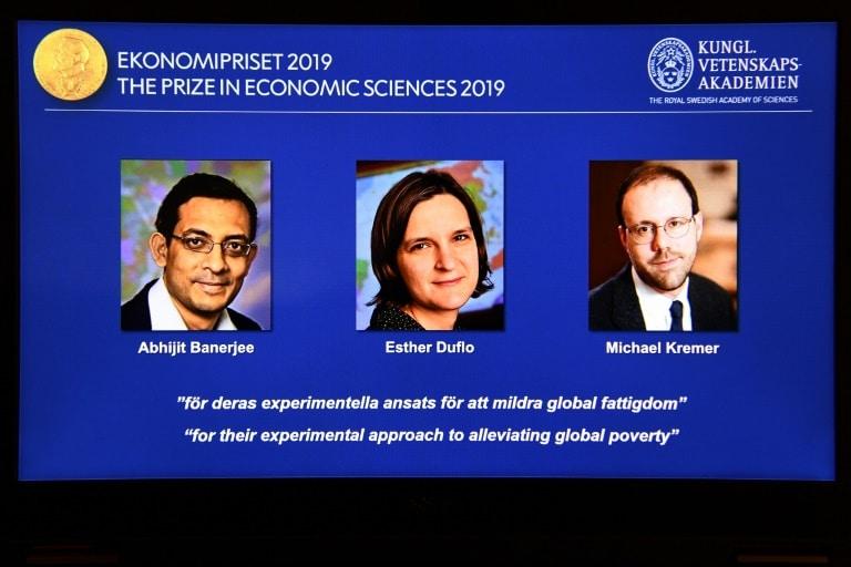 americanos vencem nobel de economia por trabalhos sobre a pobreza - Vencedores do Nobel de Economia Abhijit Banerjee Esther Duflo e Michael Kremer - Americanos vencem Nobel de Economia por trabalhos sobre a pobreza