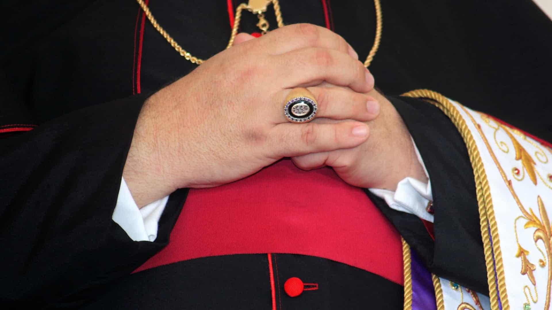 arcebispo de são salvador pede desculpas por abusos sexuais de há 25 anos - BISPO - Arcebispo de São Salvador pede desculpas por abusos sexuais de há 25 anos