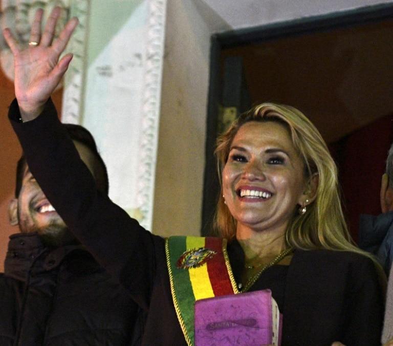 uma política pouco conhecida assume presidência da bolívia - Jeanine A ez - Uma política pouco conhecida assume presidência da Bolívia