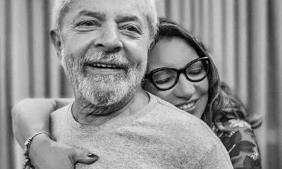 - LULA e NAMORADA 400x240 - Após sair da prisão, Lula pede namorada em casamento