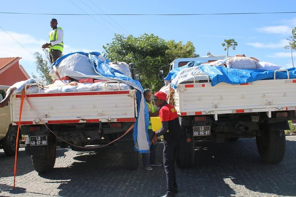mpla doa alimentos para apoiar vítimas da seca - doa o MPLA - MPLA doa alimentos para apoiar vítimas da seca