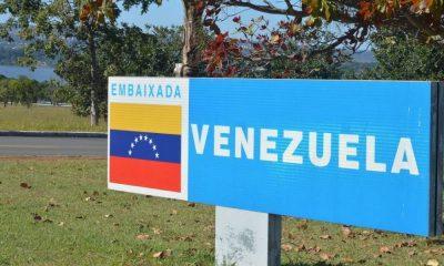- embaixada da Venezuela em Bras lia 400x240 - Partidários de Guaidó ocupam embaixada da Venezuela em Brasília